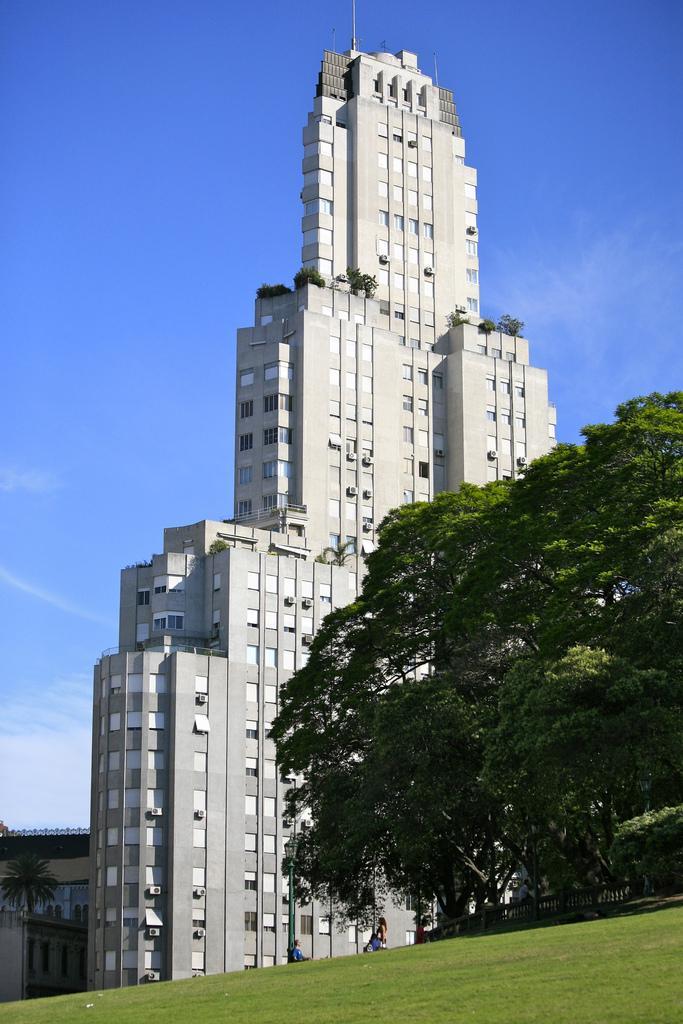 Здания в Буэнос-Айресе