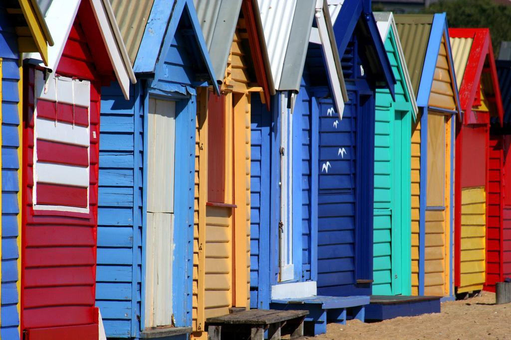 Домики на пляже Брайтон Бич