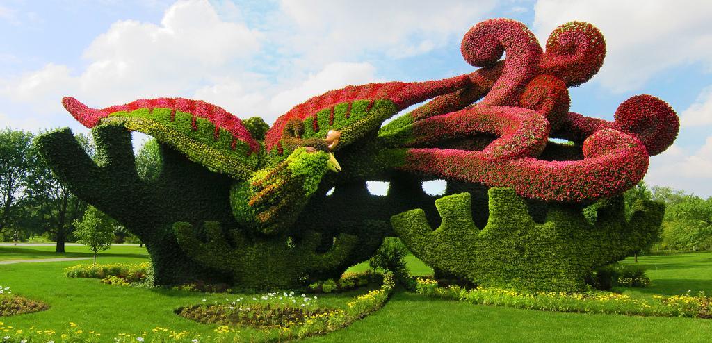 Скульптуры в парке Монреаля