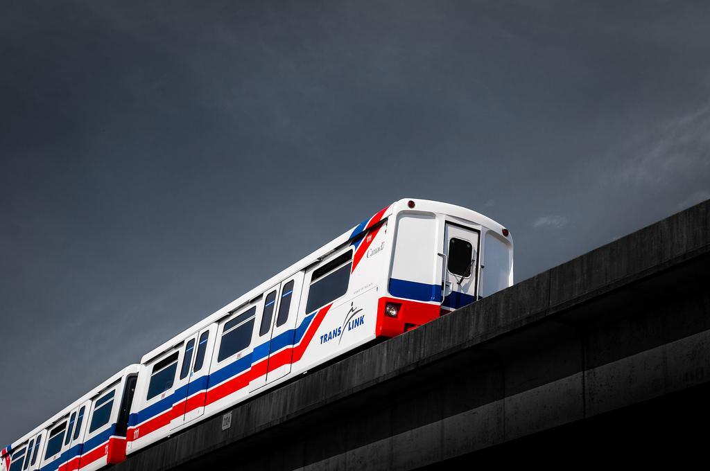 Поезд SkyTrain