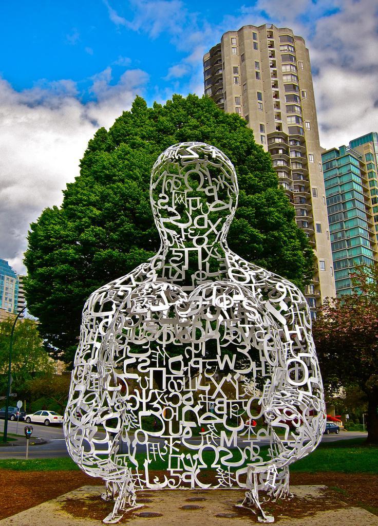 Картинки по запросу Скульптура «Человек из букв» в Ереване