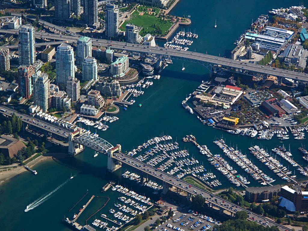 Мосты Burrard и Granville в Ванкувере