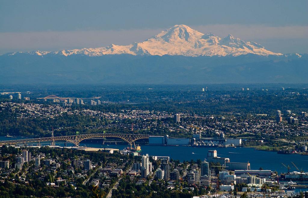 Ванкувер с видом на Mt Baker