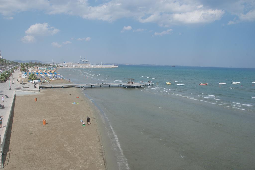 Городской пляж Ларнаки