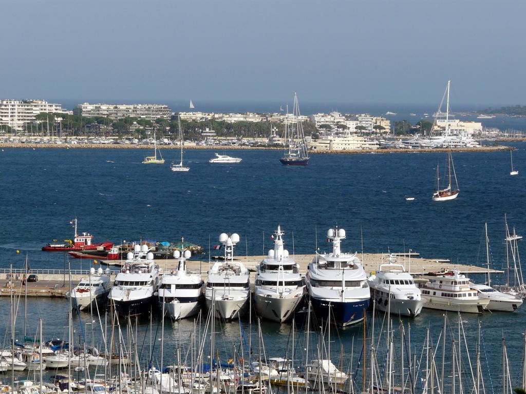 Порт в Каннах