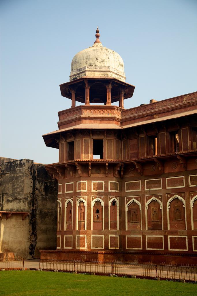 Смотровые башни Агра-форта