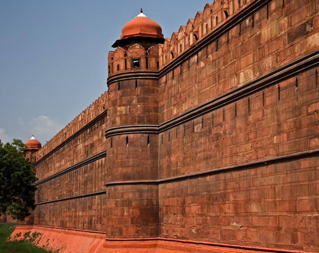 Стены Красного форта