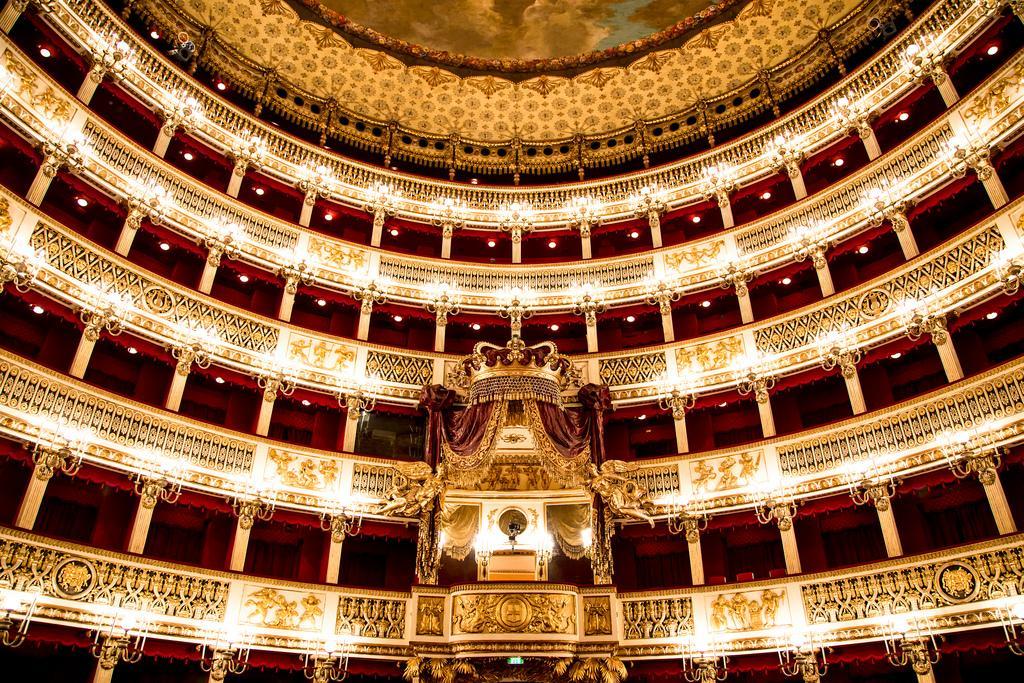 Опера, Неаполь