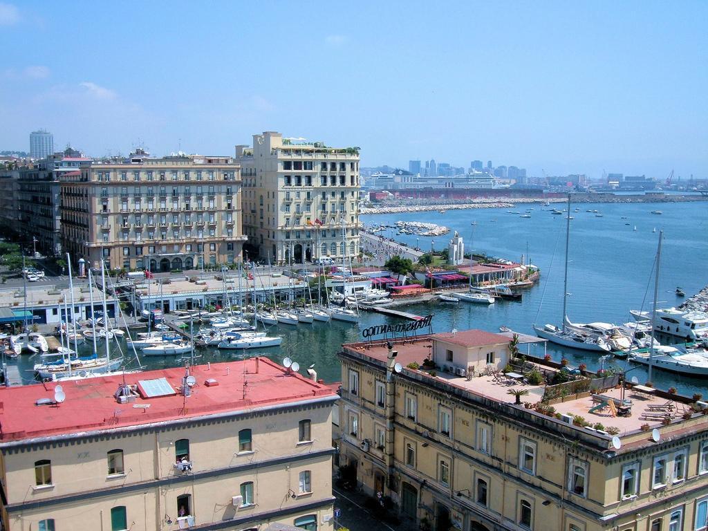 Бухта, Неаполь