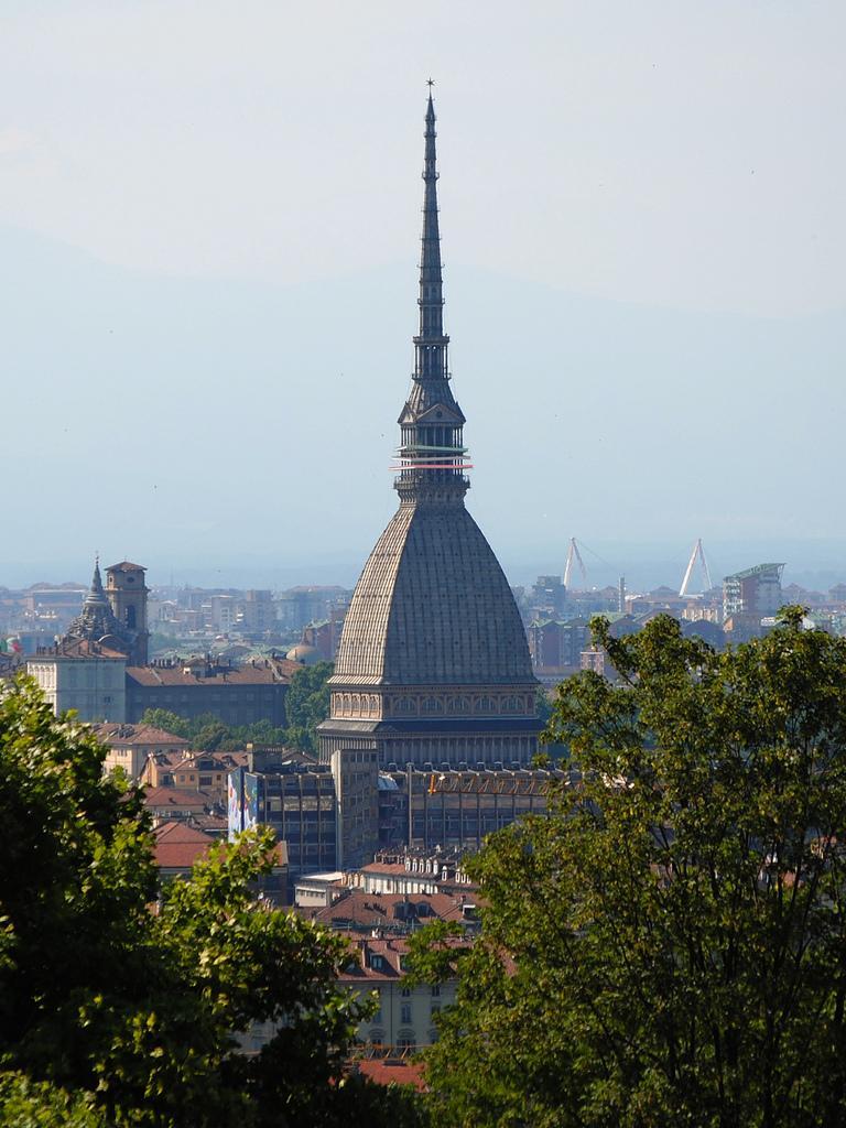 167 метров над Турином