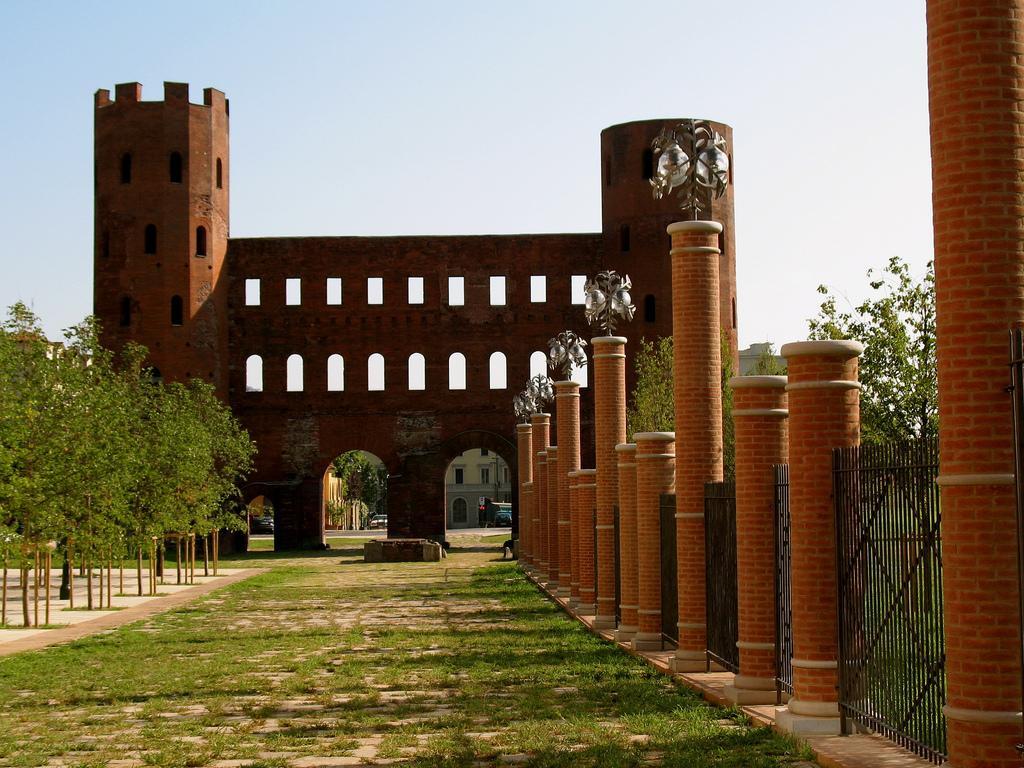 Ворота Порта Палатина