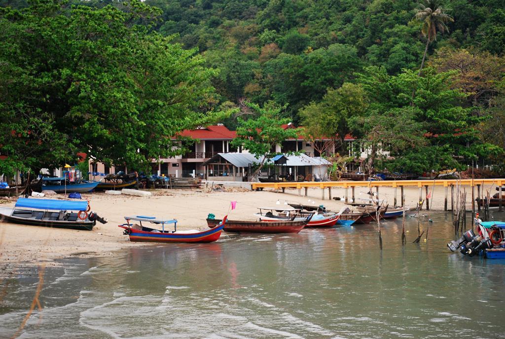 Лодки для поездки на другие острова