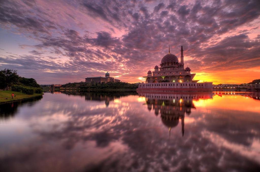 Мечеть Путраджайя