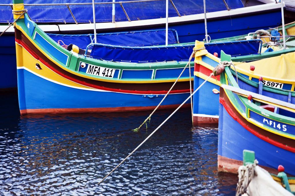 Рыбацкие лодки на Мальте