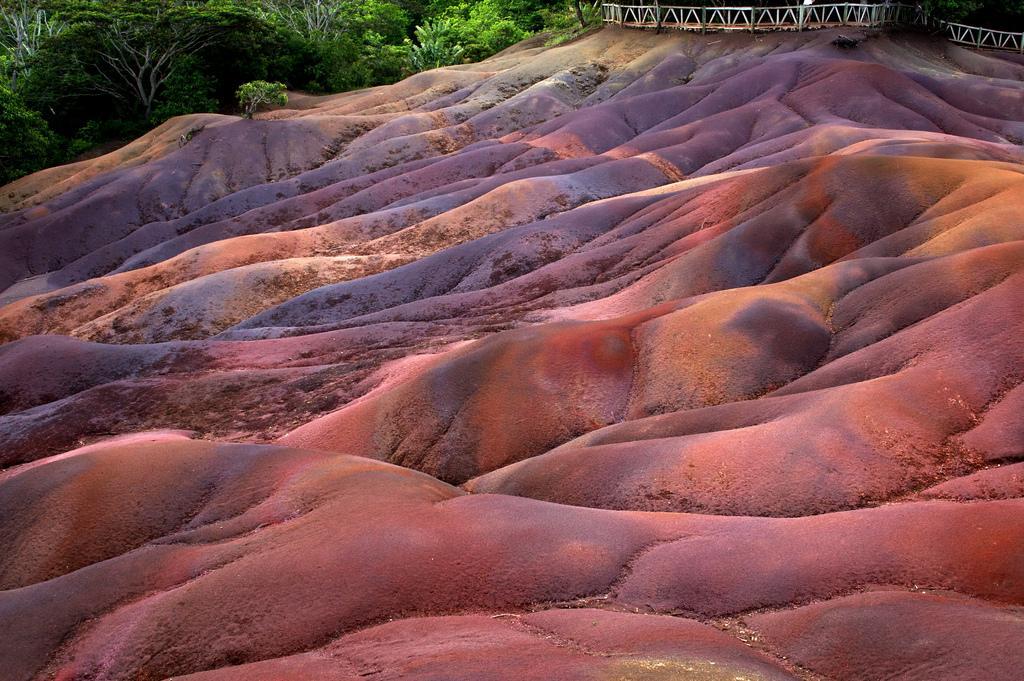 Семицветные почвы