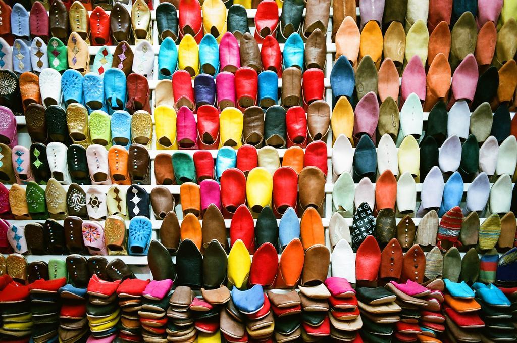 Обувь на базаре Марракеша