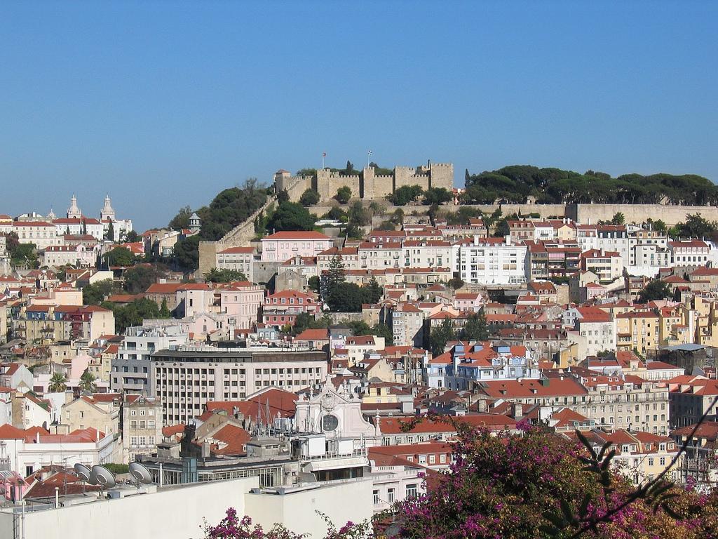 Замок Святого Георгия на вершине горы