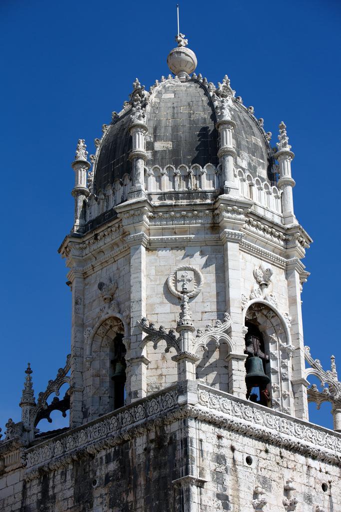 Колокольная башня монастыря
