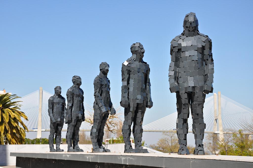 Скульптуры в Парке Наций