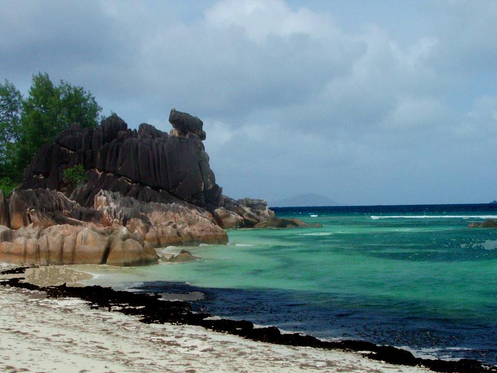 Пляжи острова Курьез