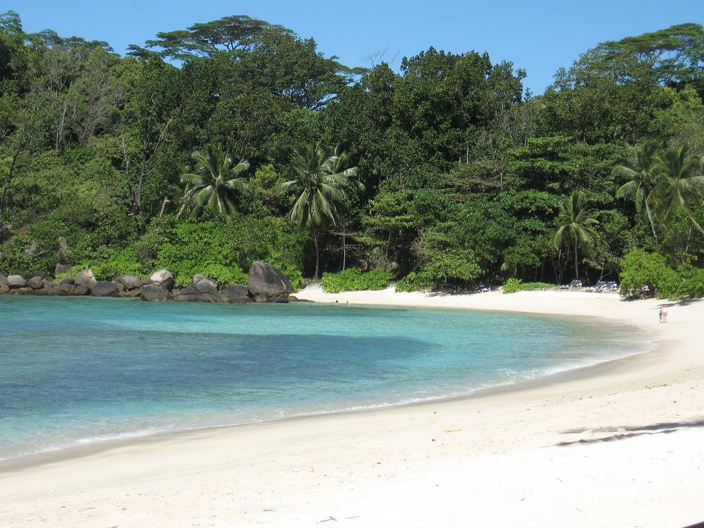 Пляж отеля Le Meridien Barbarons