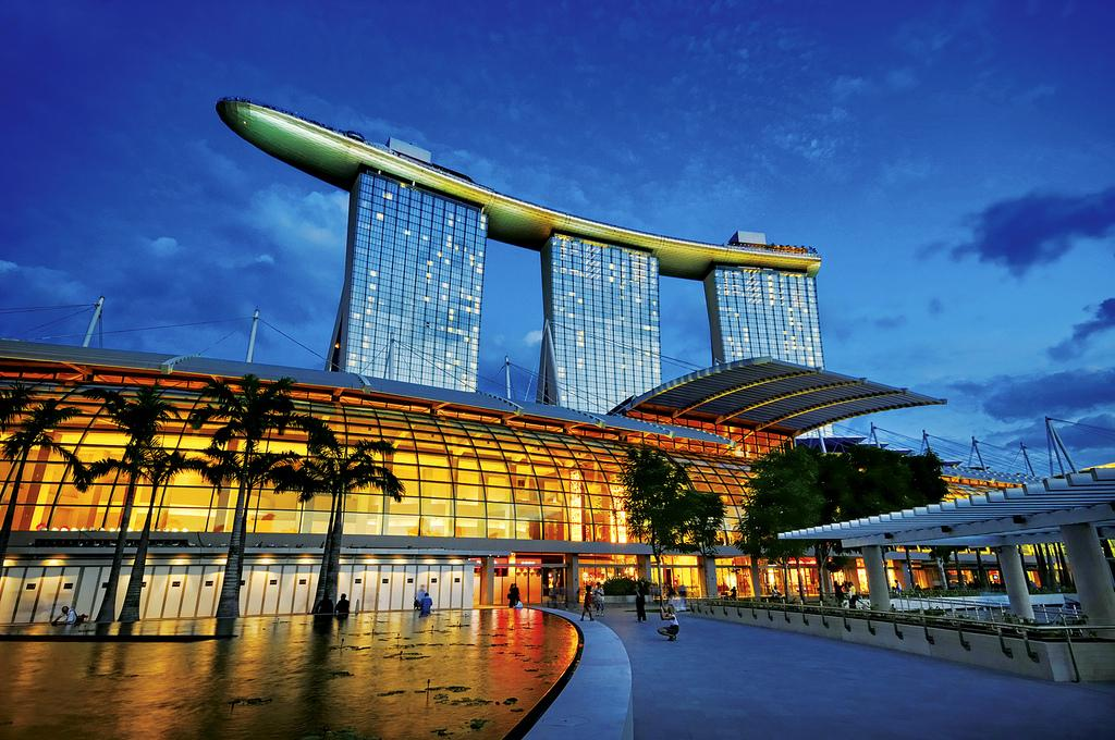 Marina Bay Sands вечером