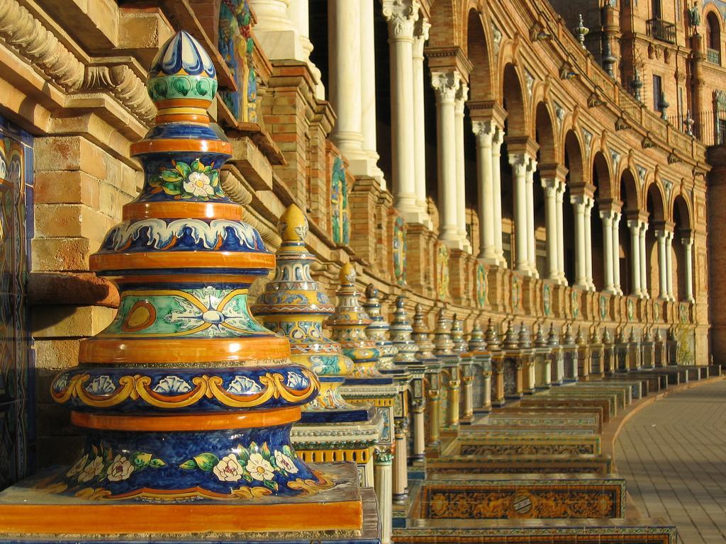 Архитектура на площади Испании в Севилье
