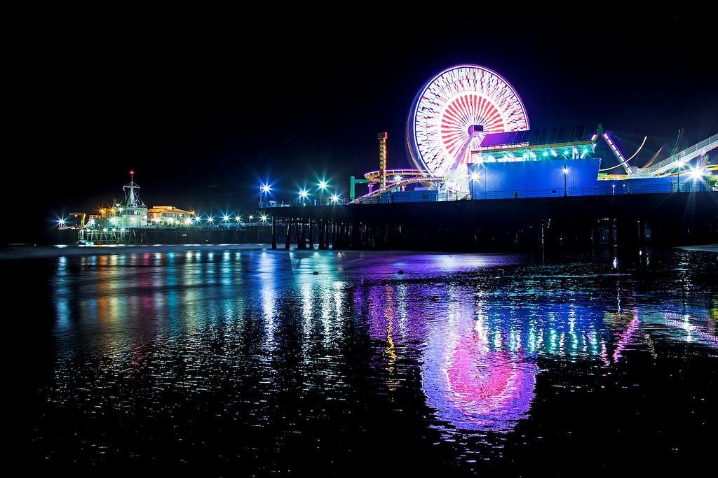 Причал Санта-Моника ночью