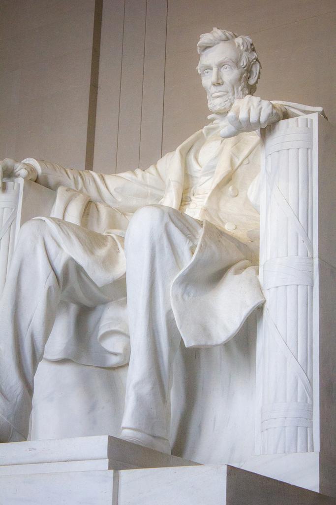 Памятник Линкольну