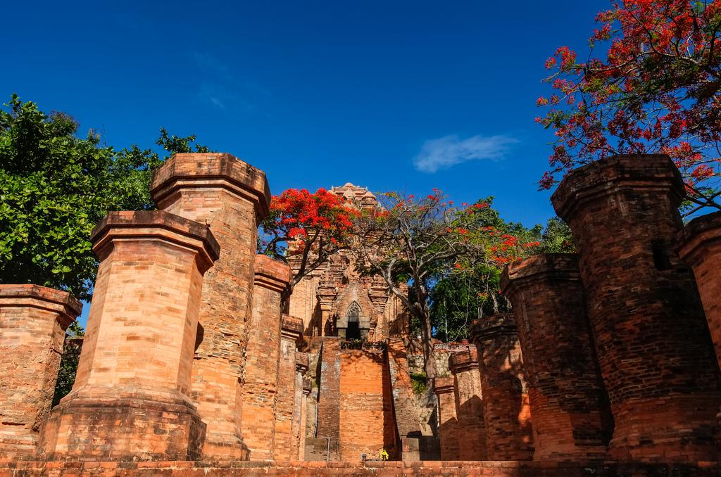Храм Понагар