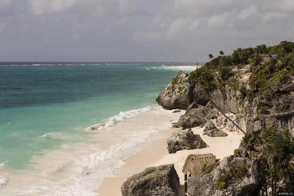 Пляж под крепостью